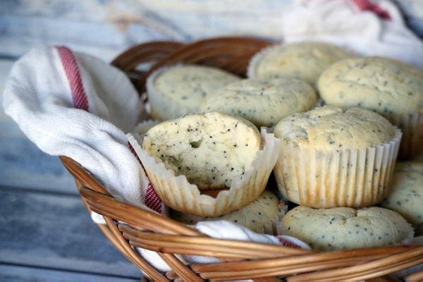 almond-poppyseed-muffins35741778.jpg
