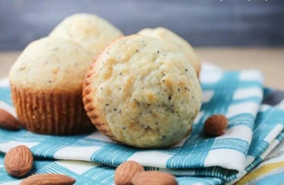 almond+poppy+seed+muffins+21849267232..jpg